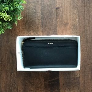 🎁 *NWT* Fossil Black Wallet